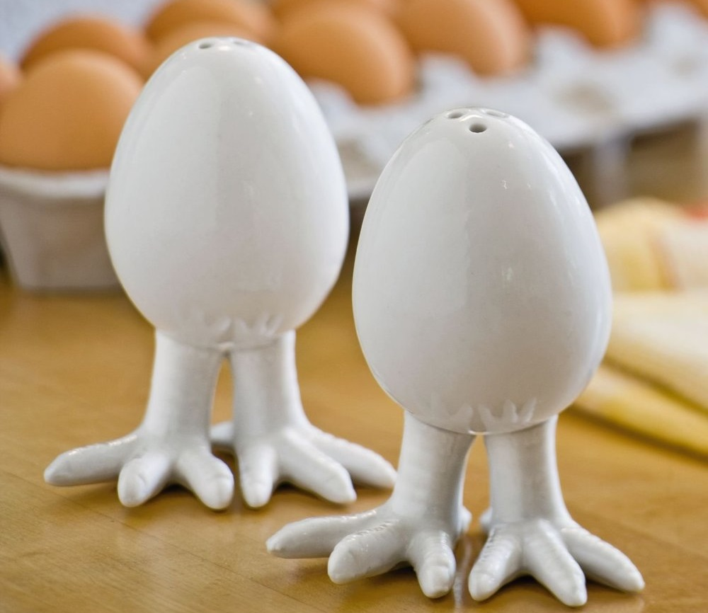 Egg Salt & Pepper Shakers