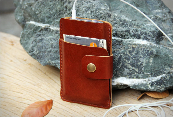 Leather iPhone Wallet by Sakatan Leather » Petagadget