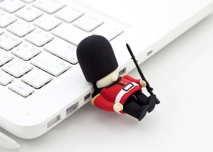 Queens Guard USB Flash Drive 8GB