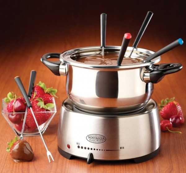 Electric Fondue Pot by Nostalgia Electronics