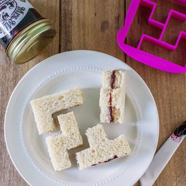 Bites & Pieces Sandwich Cutter