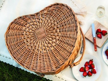 Picnic Time Heart Basket