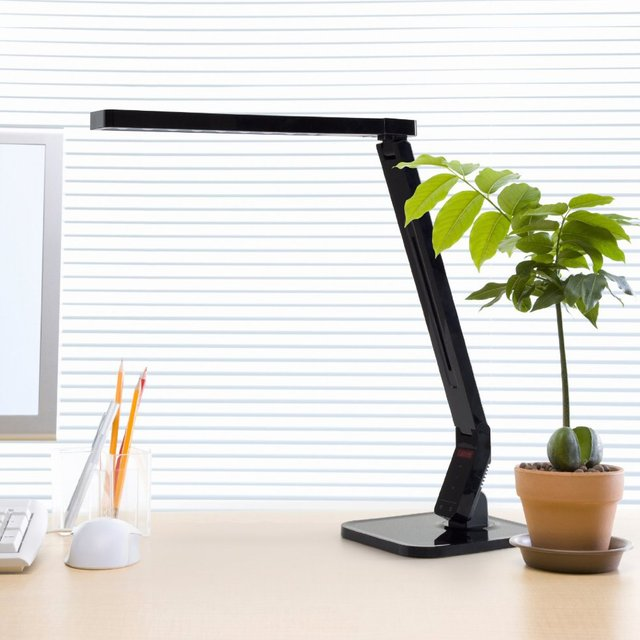 Captivating Natural Light Smart LED Desk Lamp With Tilting Head