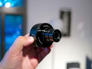 Sony_DSC-QX10_smartphone_attachable_lens-style_camera