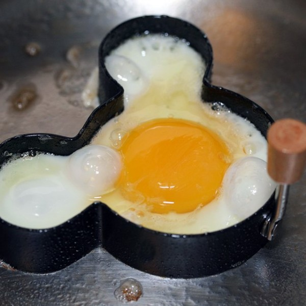 Mickey Mouse Egg & Pancake Ring