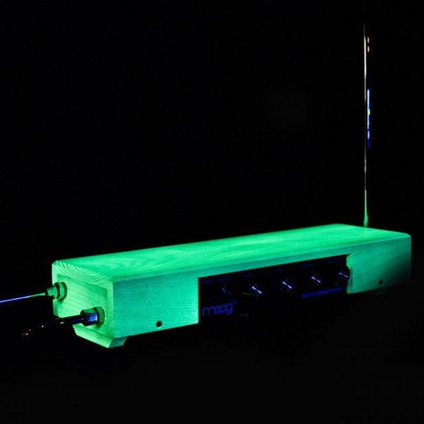 Etherwave Theremin by Moog
