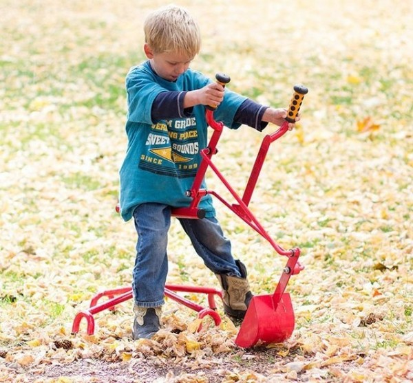 Commercial Sand Digger Toy