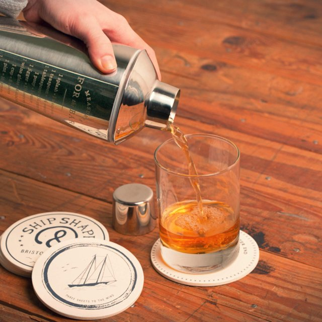 Measurements Cocktail Shaker by Izola