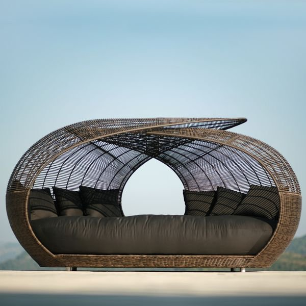Outdoor Wicker Daybed