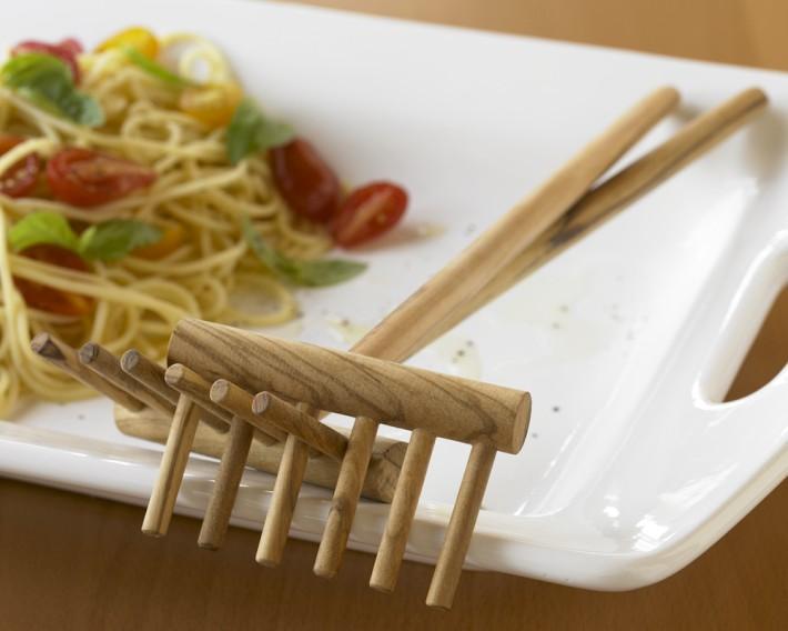 Wood Pasta Rake