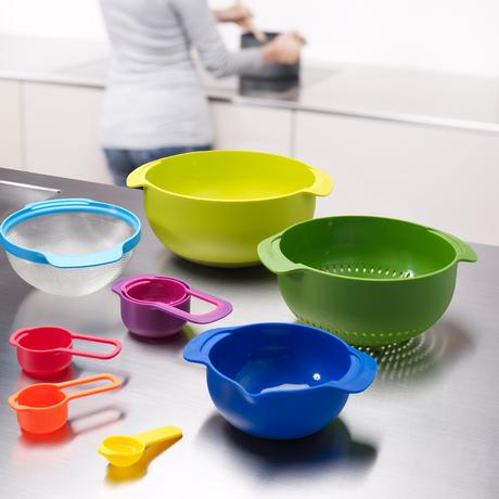 Nest Compact Measuring Cup Set