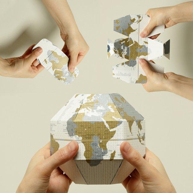 Voyage Foldable Globe
