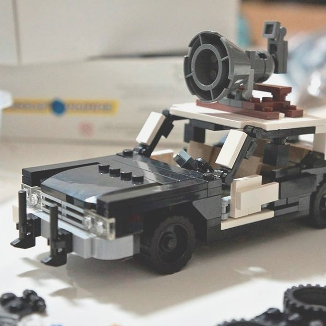The Blues Brothers Bluesmobile LEGO Kit