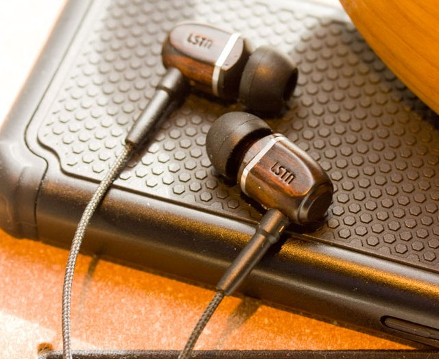 Troubadours In Ear Earphones by LSTN