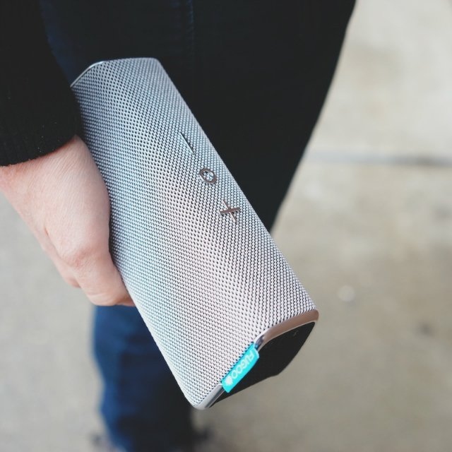 Fugoo Style Wireless Speaker Clutch