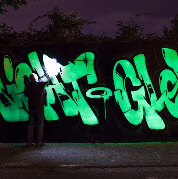 Nightglow Luminescent Spray Paint