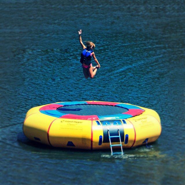 Island Hopper 15′ Classic Water Trampoline