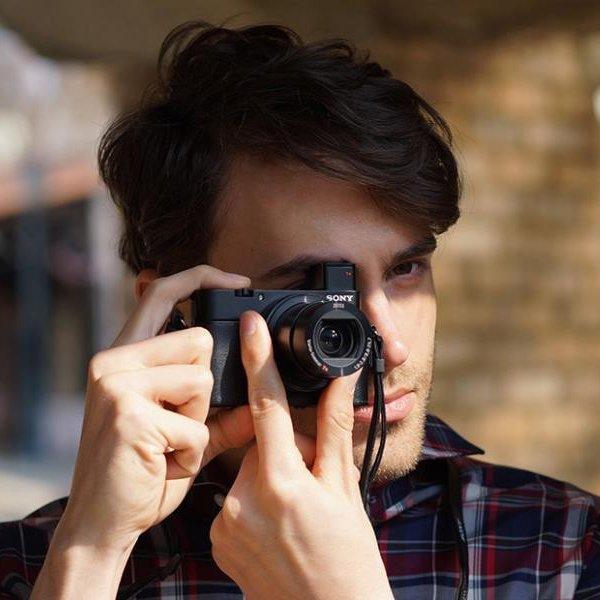Sony DSC-RX100M III Cyber-Shot Compact Camera
