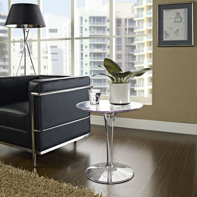 Eero Saarinen Lippa Clear Side End Table