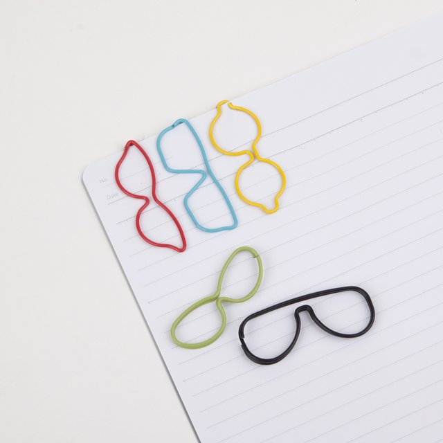 Specs Paper Clip by Umbra