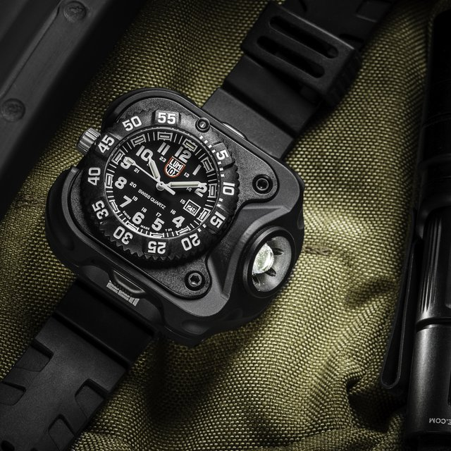 SureFire Wristlight Watch