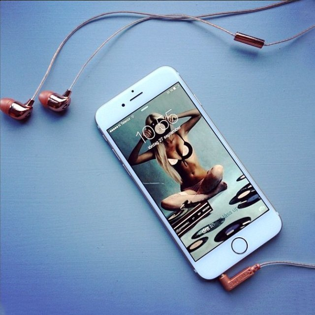 Rose Gold Headphones by Happy Plugs