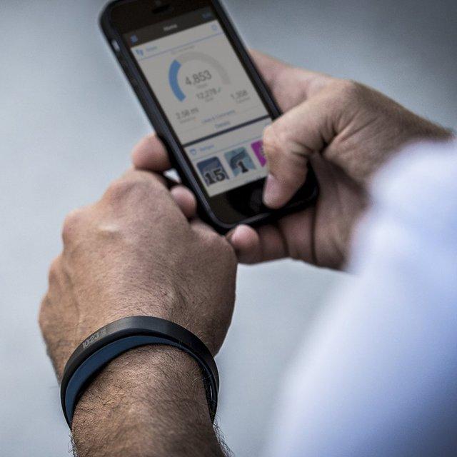 Vivosmart Activity Tracker by Garmin