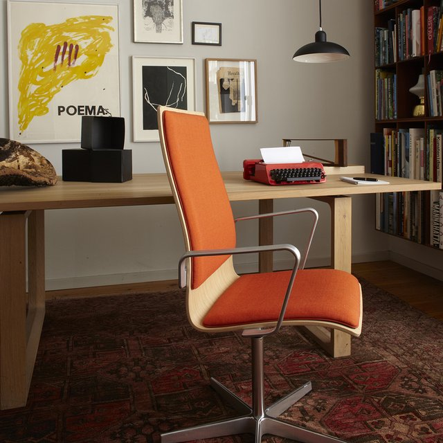 Fritz Hansen Oxford 3271 Low Back Modern Office Armchair