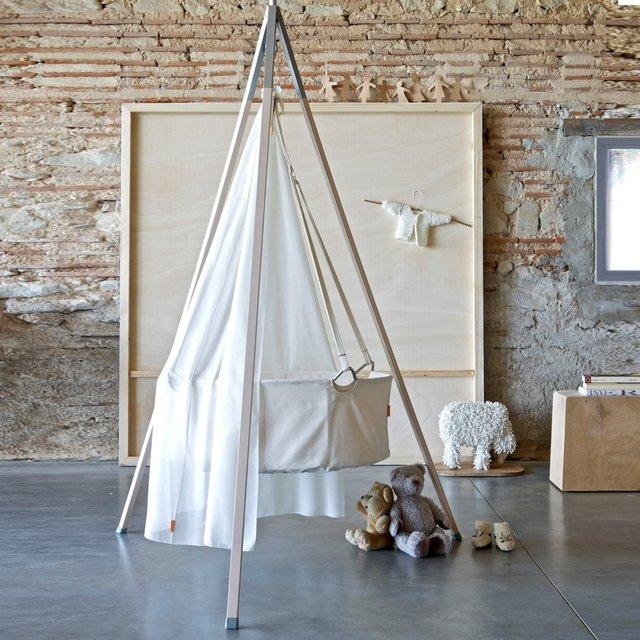 Leander Hanging Cradle