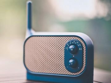 Mezzo Radio by Lexon