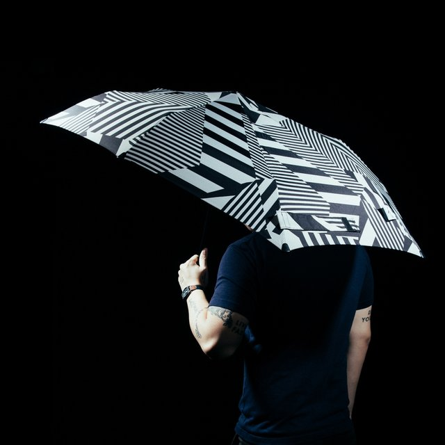 Dazz Buzz Storm Umbrella by Senz