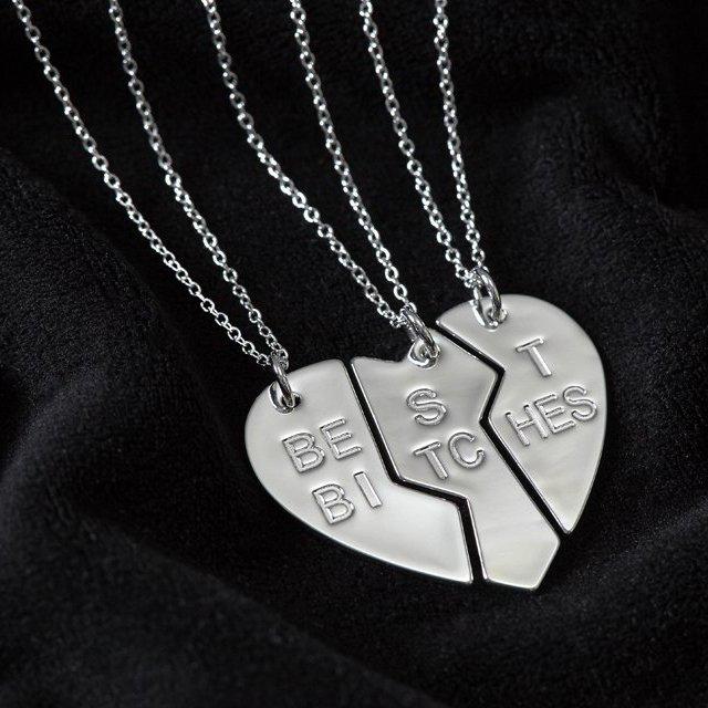 Best Bitches Necklace