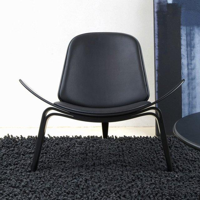 CH07 Black Shell Chair by Hans Wegner