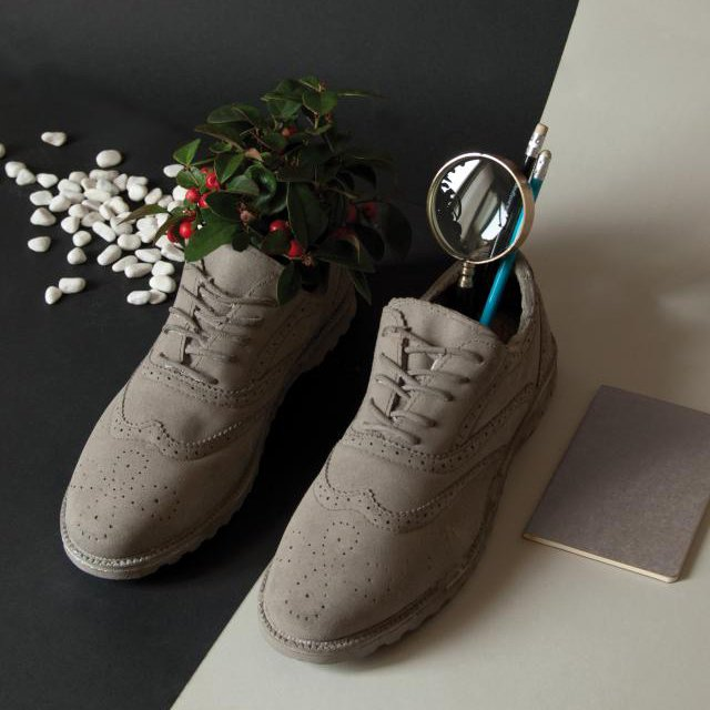Chaussures Cement Vase by Seletti