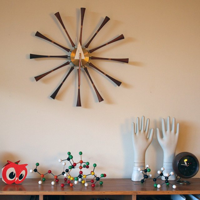 Spindle Clock by Vitra Nelson
