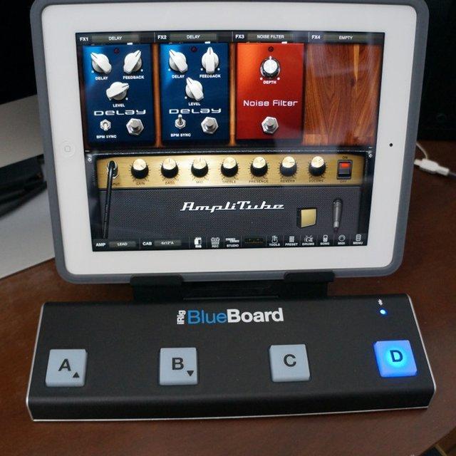 iRig BlueBoard Bluetooth Pedalboard