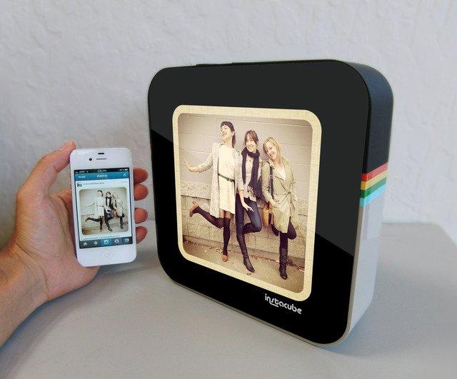 InstaCube Digital Photo Frame