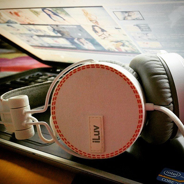 Canvas On-Ear Headphones by iLuv