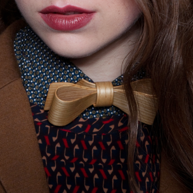 Wooden Bowtie by Muggur