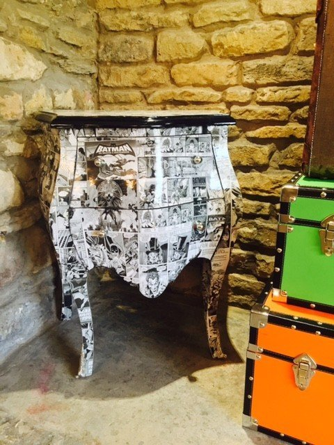 Batman Decoupage Chest Bombe Console Table