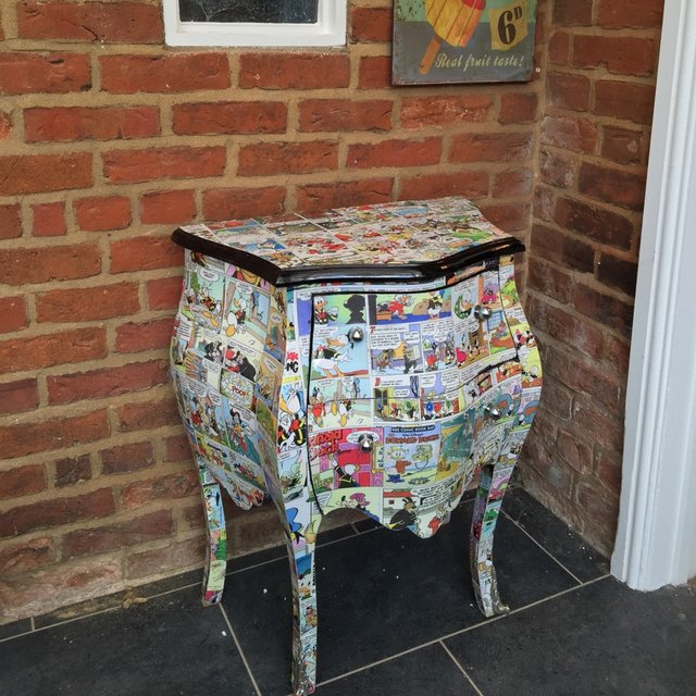 Decoupage Comic Donald Duck Console Table