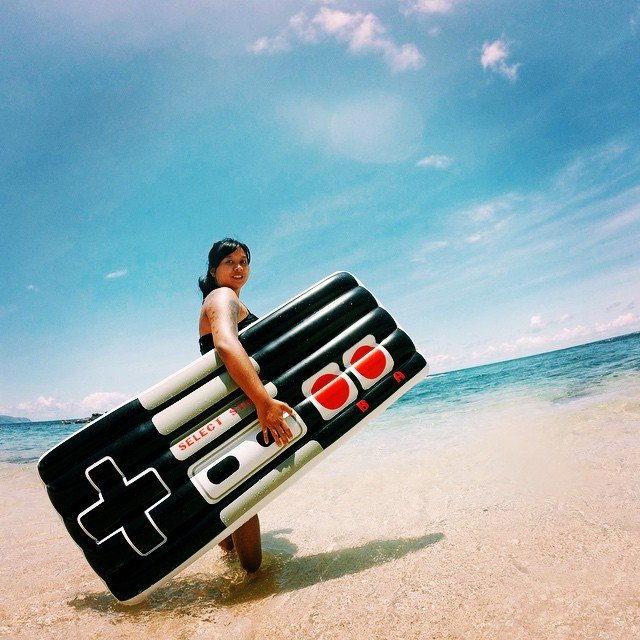 Retro Gamers Controller Pool Float
