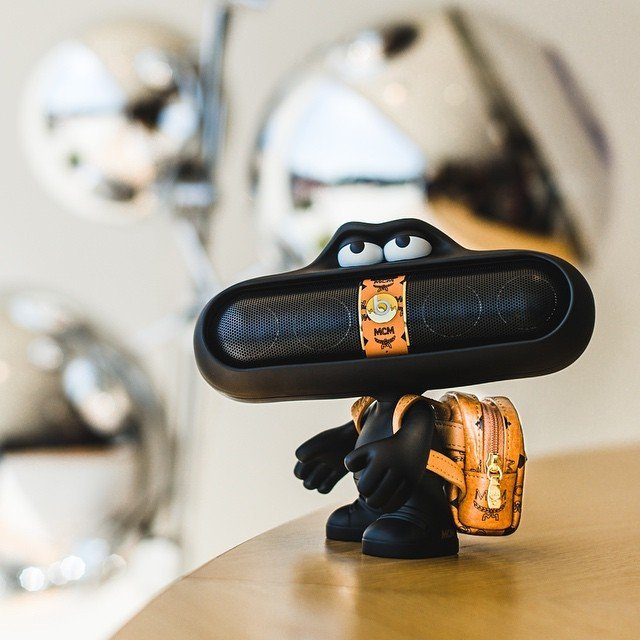 Beats x MCM Pill Dude Speaker Set