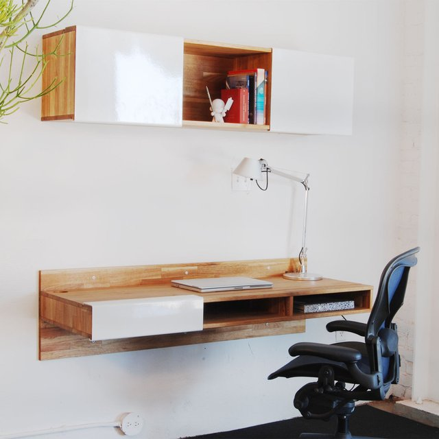 Lax series wall mounted desk petagadget for Lax wall mounted desk