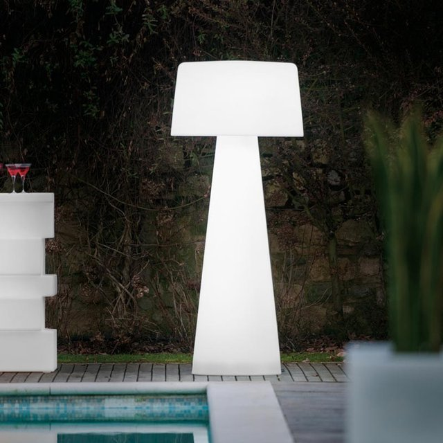Time Out Outdoor LED Lamp