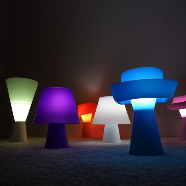 Numen Shape-Shifting Lamp
