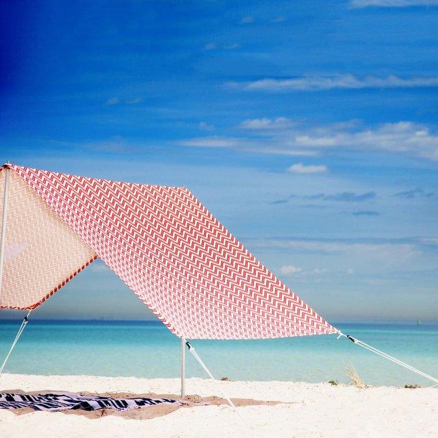 Bondi Lovin Summer Beach Tent