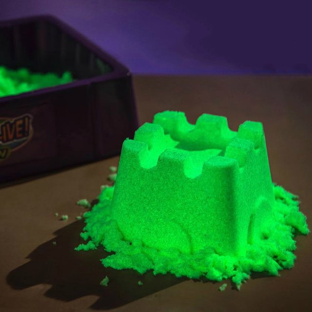 Glow in the Dark Kinetic Sand