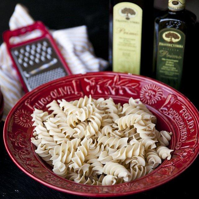 Osteria Italian-Style Ceramic Pasta Bowl