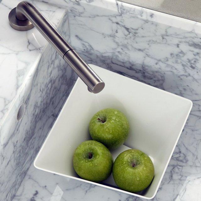 Forminimal Draining Fruit Bowl